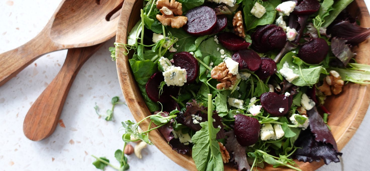 Beetrood salad with roasted walnuts and blue cheese