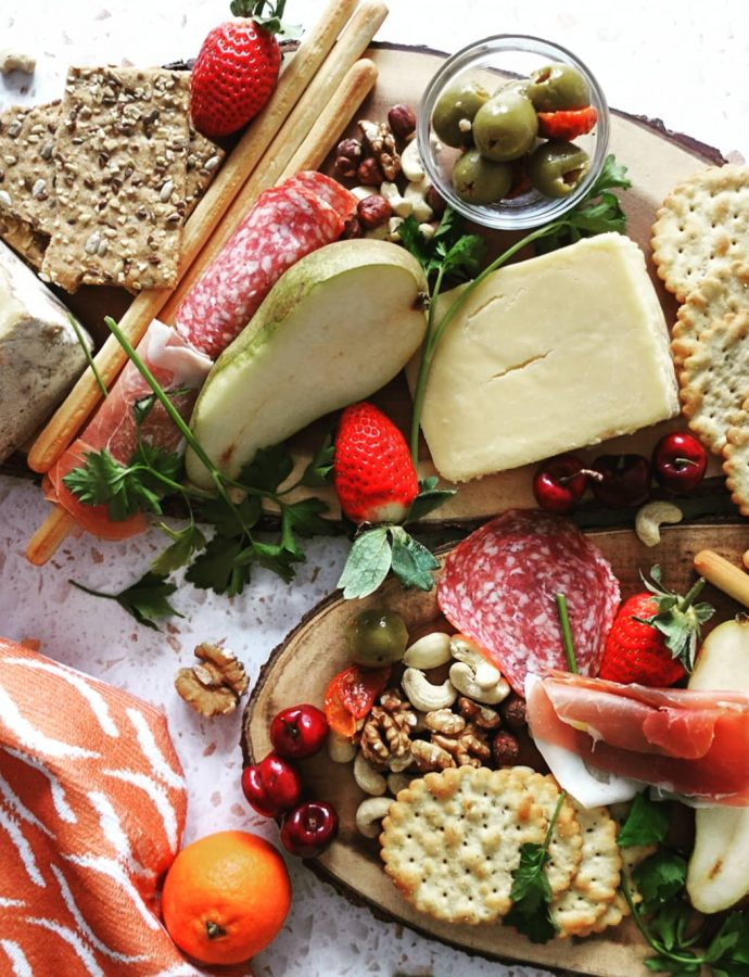 How to make an amazing charcuterie and cheese board